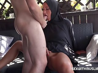 Czech Bitch Naomi Bennet Left Her Egyptian Husband 720p