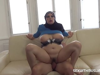 Anabelle Muslim Beauty Negotiates With Sex 720p