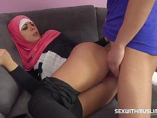 A Horny Guy Fucks His Muslim Sister In Law