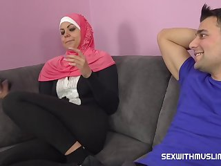 A Horny Guy Fucks His Muslim Sister In Law